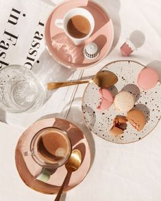 The new festive range by is taking me back to Paris with limited edition coffees inspired by Parisian treats like praliné and macaron! Now I just need to book flights. Flat Lay Photography, Coffee Photography, Food Photography, Fashion Photography, Aesthetic Food, Pink Aesthetic, Fred Instagram, Photo Food, Design Set
