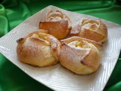 Nice Patrocinio shared a video Romanian Desserts, Romanian Food, Italian Desserts, Just Desserts, Romanian Recipes, Chef Recipes, My Recipes, Sweet Recipes, Cooking Recipes