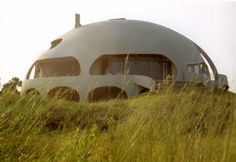 This Monolithic Dome home, on a beach site on Sullivans Island, South Carolina, is a prolate ellipse measuring 80′ × 57′ × 34′.