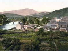 Callander village, Scotland, with Ben Ledi in the background.