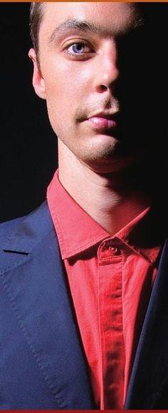 Jim Parsons - Não sei porque, mas sempre que vejo, fico imaginando um uniforme vermelho e azul coberto de teias e com uma aranha azul no peito e outra bem grande nas costas....