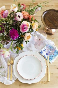 Idée déco table printemps chic et fleurie !