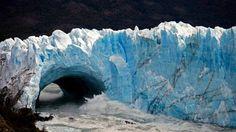- Localizado na Parque Nacional Los Glaciares, na Patagônia Argentina. São 250 km2 de formação de gelo, e 30 km de comprimento. Foto: Walter Diaz / AFP .   O arco do glaciar Perito Moreno se rompeu. http://g1.globo.com/natureza/noticia/2012/03/placa-de-gelo-se-rompe-no-glaciar-argentino-perito-moreno.html