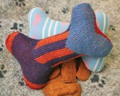 upcycled sweater dog toy 20 Wonderful Tutorials for Unique Upcycled Sweater Crafts