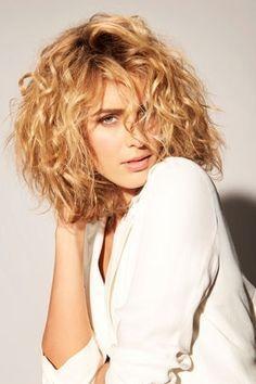 Le carré wild de Franck Provost : Des coiffures à tomber pour accompagner votre année - Journal des Femmes