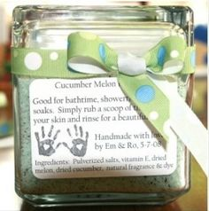 Mothers Day Gifts Homemade bath salts for Mother's Day. Every Mother deserves a little pamperin… Homemade Wedding Gifts, Homemade Mothers Day Gifts, Mothers Day Crafts, Happy Mothers Day, Mother Day Gifts, Fathers Day, Craft Gifts, Diy Gifts, Party Gifts