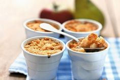 Try this apple crumble recipe, an all time classic of British cuisine: this version is enriched by pears, that turn the dessert into a mouth-watering dish! Köstliche Desserts, Delicious Desserts, Dessert Recipes, Eat Dessert First, Pie Dessert, Apple Crumble Recipe, Birthday Breakfast, Eat Smarter, Different Recipes
