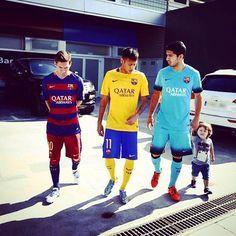 The trident is... El trident és... El tridente es... #igersFCB #fcbarcelona @leomessi @luissuarez9 @neymarjr Fc Barcelona, Barcelona Football, Neymar Pic, Messi And Neymar, Messi 10, Champions League, Soccer Post, Cr7 Junior, Street Football