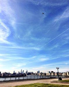 This weather this place  #london #uk #greatbritain #wanderlust #travel #ilovelondon #canarywharf #cityoflondon #city #centrallondon #visitlondon #londontravels #thisislondon #visituk #visitengland #instatravel #igtravel #igerslondon #londonstreet #londonstreetlife #prettycitylondon #london2016 #londonlife #views #skyline #skylovers #easlondon by mimi3.7