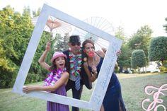 wedding planner_ castello_ isi eventi_ matrimonio_ foto_ photo booth_amore _bianco _idea _baffi _cappello_ photo set www.isieventi.com