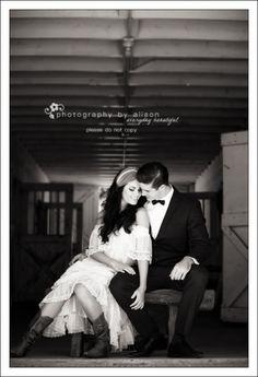 barn wedding photos #photographybyalison #sandiegophotographer #wedding #portraits