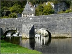 Pont habité,  rare en France - Rare pont coudé à Brantôme Périgord - Vos plus beaux ponts de France