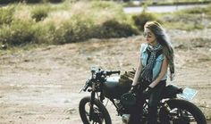 Girl and #motorcycles #motos | caferacerpasion.com