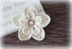 Häkelbrosche von Smoozly Crochet auf DaWanda.com