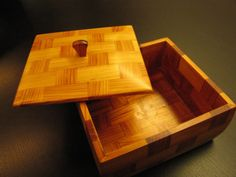 Yew box by Rick Klompmaker