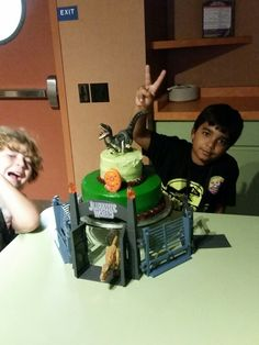 Jurassic World Cake-Evan will have the toy below
