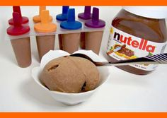 140 calories per popsicle. Move over Skinny Cows. 1 cup of Nutella 6 Bananas. Makes 16 popsicles. A cup of nutella is a lot to part with. Köstliche Desserts, Frozen Desserts, Frozen Treats, Dessert Recipes, Yummy Treats, Sweet Treats, Yummy Food, Tasty, Think Food
