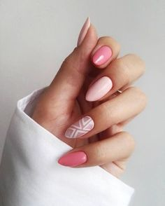Almond nails are one of the most popular nail shapes, and it's easy to understand why. Its shape is similar to the nuts of the same name, elegant, delicate and completely fashionable. So it's no wonder that more and more women choose the outline of t Pink Gel Nails, Pink Manicure, Gel Nail Colors, Rose Nails, Acrylic Nails, My Nails, Colorful Nail Designs, Nail Art Designs, Light Pink Nail Designs