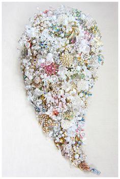 Lavish Teardrop Shower Brooch Bouquet