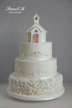 Adorable Wedding Cake | Beauty Found in Simplicity | How Lovely!