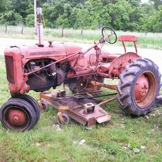 Do you think Allis Chalmers C deserves to win the Steiner Tractor Parts Photo Contest?  Have your say and vote today for your favorite antique tractor photos!