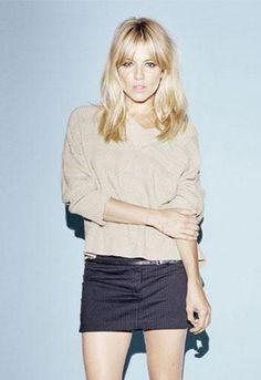 Sienna Miller. Blonde + bangs