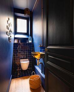 Brick Bathroom, Rustic Bathroom Shelves, Modern Bathroom Tile, Rustic Bathroom Designs, Bathroom Interior Design, Mosaic Bathroom, Modern Bathrooms, Terrazzo, Wall And Floor Tiles