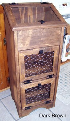 Potato Storage Bin  Chicken Wire by Colorfulimpressions on Etsy...Ive really been wanting one of these!