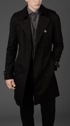 Burberry London men's raglan double-breasted cotton trenchcoat