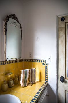 Your house or apartment is the one place in the world that is yours to call your own. If you have limited funds you can still accomplish great interior design on a. Yellow Bathrooms, Vintage Bathrooms, Tiled Bathrooms, Bathroom Tiling, Dyi Bathroom, Bathroom Trends, Washroom, Bathroom Designs, Master Bathroom