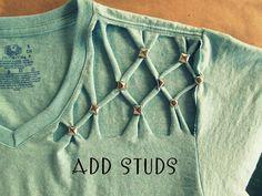 Cómo customizar una camiseta con tachuelas