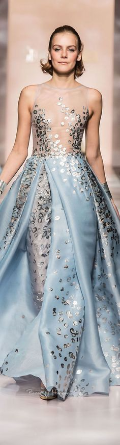 Good idea for anarkali-Georges Chakra Spring-summer 2015 - Couture. Georges Chakra, Couture Mode, Couture Fashion, Runway Fashion, Beautiful Gowns, Beautiful Outfits, Fashion Week, High Fashion, Marine Uniform