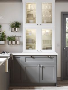 Create Your Dream Kitchen with the METOD Kitchen System - IKEA Kitchen Cabinets Fronts, Cabinet Fronts, Glass Kitchen Cabinet Doors, White Cabinets, Design Your Kitchen, Kitchen Layout, Kitchen Ideas, Kitchen Reno, Kitchen Remodel