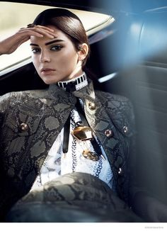 Kendall Jenner in Gucci python-and-leather jacket; Louis Vuitton crocheted dress for Vogue US January 2015 by David Sims. So in short, epic. Kourtney Kardashian, Kardashian Jenner, David Sims, Foto Fashion, Fashion Models, Fashion Shoes, Fashion Dresses, Fashion Tape, Fashion 2018