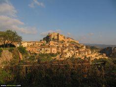 Alquezar, Huesca, Aragón #turismo #mirecreo #tourism #viajes #travels #spain