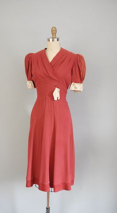~Gorgeous dark coral hued 1930s v-neck dress~ would love this in a blue color