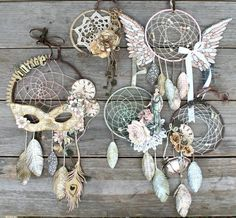Brilliant handmade Vintage dreamcatcher collection by Miranda! What a fun project - it even has a tutorial! #graphic45 #dreamcatchers #tutorial http://www.artistdds.com/contact/