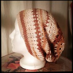 Slouch hat crochet pattern - Love the colors