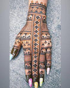 Indian Henna Designs, Henna Tattoo Designs Simple, Legs Mehndi Design, Back Hand Mehndi Designs, Stylish Mehndi Designs, Latest Bridal Mehndi Designs, Mehndi Designs Book, Mehndi Designs For Girls, Mehndi Design Photos