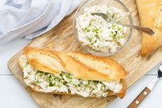 Creamy chicken salad (from pulled chicken) - Salad recipe Pulled Chicken Salad Recipe, Chicken Salad Recipes, Healthy Student Meals, Healthy Lunches, All U Can Eat, Chicken Carbonara Recipe, Sandwiches For Lunch, Small Meals, Comfort Food