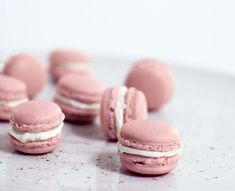6 tips för att lyckas med macarons! Candy Drinks, Macarons, Fika, Edible Art, Candy Recipes, Sweet Tooth, Cake Decorating, Sweets, Bread
