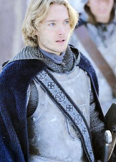 Toby Regbo as Francis on Reign Reign Mary, Mary Queen Of Scots, Serie Reign, Marie Stuart, Jace Lightwood, Captive Prince, Cw Series, Knight In Shining Armor, Outfits Casual