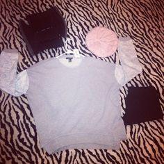 Shirt: #Forever21 @Forever 21  leggings: #Walmart  Beanie: Forever21  Boots: Off broadway