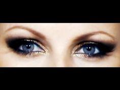 Moni's eye color