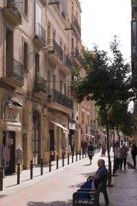 Altbauten im ehemaligen Industrie- und heutigen In-Viertel Poble Nou in Barcelona, Foto: Robert B. Fishman, 4.10.2014