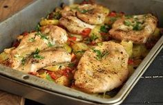 Pierś kurczaka zapiekana z warzywami Turkey Recipes, Chicken Recipes, Cooking Recipes, Healthy Recipes, Healthy Food, Recipes From Heaven, Food Design, Tasty Dishes, Main Dishes
