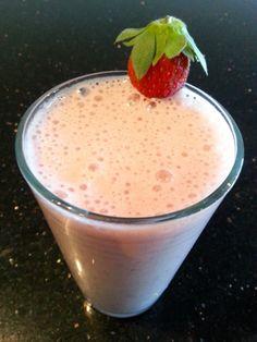 Strawberry Protein Smoothie Recipe - CarolineBakker.com
