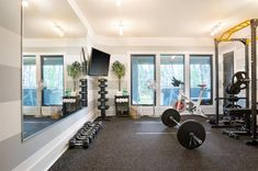Basement Workout Room, Home Gym Basement, Home Gym Garage, Workout Room Home, Diy Home Gym, Gym Room At Home, Home Gym Decor, Basement Ideas, Home Office