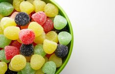How workplace candy bowls may be affecting your health - Online Career Tips Candy Bowl, Candy Dishes, Nutrition, Fruit Salad, Sweet Tooth, Health, Food, Workplace, Bowls