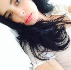 Hair and face 🤣 Jessica Jones Netflix, Jessica Jones Marvel, Krysten Ritter Breaking Bad, Kristin Ritter, Dark Hair, Brown Hair, Big Eyes 2014, Krysten Alyce Ritter, Lost Girl